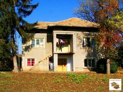 Detached two-storey house with big garden set in the village of Dolna Lipnitsa, 35 km away from Veliko Tarnovo