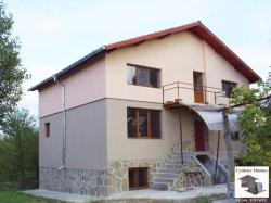 Newly-built three-storey house with big garden and panoramic views in the village of Hotnitsa, just 17 km from Veliko Tarnovo