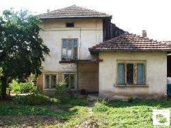 Two-storey detached rural housе located in the village of Mihaltsi, 30 km from Veliko Tarnovo