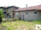 Two-storey rural property in the village of Pavel, 15 km from the town of Polski Trambesh