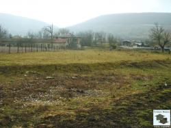 Regulated flat land, just 3km west from the town of Veliko Tarnovo