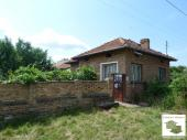 Reasonable price for a solid house in the village of Vyrzulica close to the town of Polski Trambesh