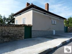 Solid one-storey house with big garden in the village of Polski Senovets, 30 km from Veliko Tarnovo