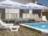 Guest house with a swimming-pool, in the village of Buynovci only 9 km away from the town of Elena