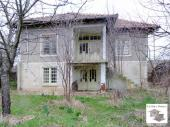 Two-storey house with a garden in the village of Paskalevets, 28 km away from Veliko Tarnovo