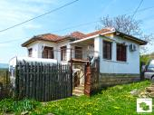 Two-storey house with 3 bedrooms and panoramic view, set in a picturesque Elena Balkan, 50 km from Veliko Tarnovo