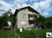 Spacious, solid two storey house with in an attractive resort village close to Veliko Tarnovo