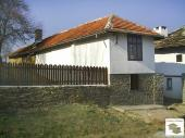 Renovated detached house in a picturesque hilly area, 18 km south from Veliko Tarnovo