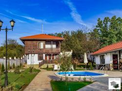 Newly built two-storey house with а swimming pool and а guest house in a picturesque village of Natsovtsi, 15 km. from Veliko Tarnovo