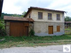House located in the picturesque village of Yalovo, just 15 km south from Veliko Tarnovo