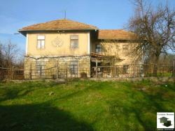 Two-storey house with big yard, a garage and a pool in Antonovo