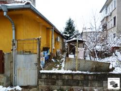 One storey house with a yard in a quiet area in the  town of Gorna Oryahovitsa