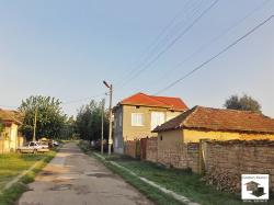 Two storey house with а flat garden in the village of Obedinenie, 35 km from Veliko Tarnovo