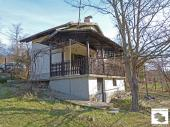 Small villa, ready to move - in, located in the village of Shodekovtsi only 17 km away from Veliko Tarnovo