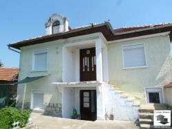 Two-storey renovated house, ready to move in, located in the well-developed village of Polikraishte, only 10 minutes away from Veliko Tarnovo