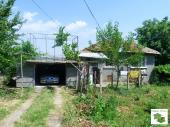 Detached one- storey house with a garage in the town of Gorna Oryahovitsa