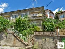 EXCLUSIVE!!! Detached two-storey house with a garage and a garden in the central part of Velliko Tаrnovo