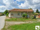 House with ground floor and yard in the village of Pushevo, just 12 km from Veliko Tarnovo