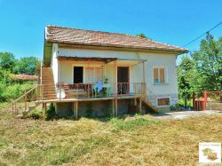 Detached one-storey house with panoramic view set in a picturesque area in Elena Balkan