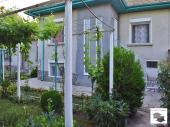 Two houses in a flat common yard with a garage and a water-well in popular  village of Resen, only 12 km away from Veliko Tarnovo