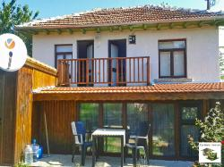 Renovated, ready to move in house, located in the village of Momin sbor, just 10 km from Veliko Tarnovo