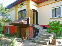 Two-storey house, after renovation with very big yard  and panoramic view ,located in the village of Dyskot, 35 km away from Veliko Tarnovo