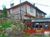 Оne-bedroom house floor for rent located in the old part of Veliko Tarnovo