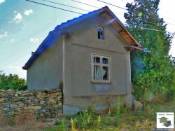 Two-storey house with  a big yard and a water-well in the village of Merdanya only 15 km south from Veliko Turnovo
