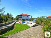 Luxurious five-bedroom house with a pool, a sauna and a panoramic view in the tourist village of Arbanasi, located only 4 km away from Veliko Tarnovo
