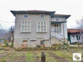 Three-bedroom house located in a picturesque village situated 4 km away from the town of Tryavna