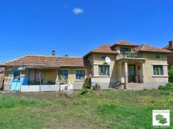 One-storey house with big yard set on a main street in the village of Vodoley 22 km away from Veliko Tarnovo
