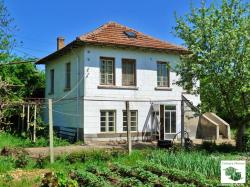 Two-storey house with additional building- tavern in the village of Vodoley 22 km away from Veliko Tarnovo