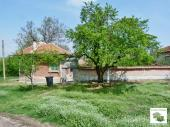 Well-kept rural house with big barn and big flat yard located in the village of Lozen
