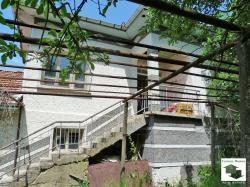 Four-bedroom house with big yard and barns located in the village of Hotnitsa, 17 km away from Veliko Tarnovo