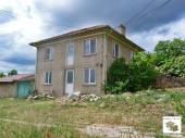 Three bedroom house with a garage in the beautiful village of Vetrintsi, situated 15 km away from Veliko Tarnovo