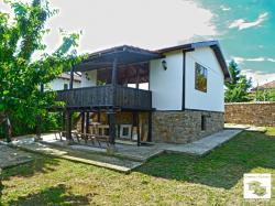 Renovated two-storey house with beautiful views located only 10 minutes away from Veliko Tarnovo