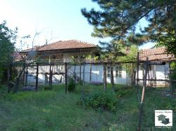 EXCLUSIVE!!! Two-storey house with flat yard and panoramic view in the village of Belyakovets
