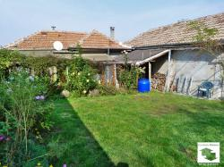 Two houses in a common yard set in the village of Dragizhevo, 10 minutes away from Veliko Tarnovo