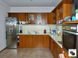 Spacious, fully furnished house floor located on a quiet street for sale located in the Gorna Oryahovitsa