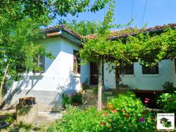 One-storey house with a large garden and a water-well and  beautiful views located only 10 minutes away from Veliko Tarnovo