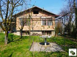 Rural house with a great panoramic view in a mountain village, 5 km from the town of Sevlievo