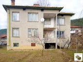 Two-storey house with panoramic views in the village of Prisovo, just 5 km from Veliko Tarnovo