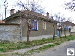 EXCLUSIVE! Solid one-storey house with garage 14 km away from Veliko Tarnovo
