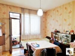 Two-bedroom, spacious brick apartment close to the school in the Veliko Tarnovo