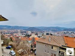 Spacious, panoramic apartment with a garage and 2 basement rooms near a large park and pine forest in Veliko Tarnovo